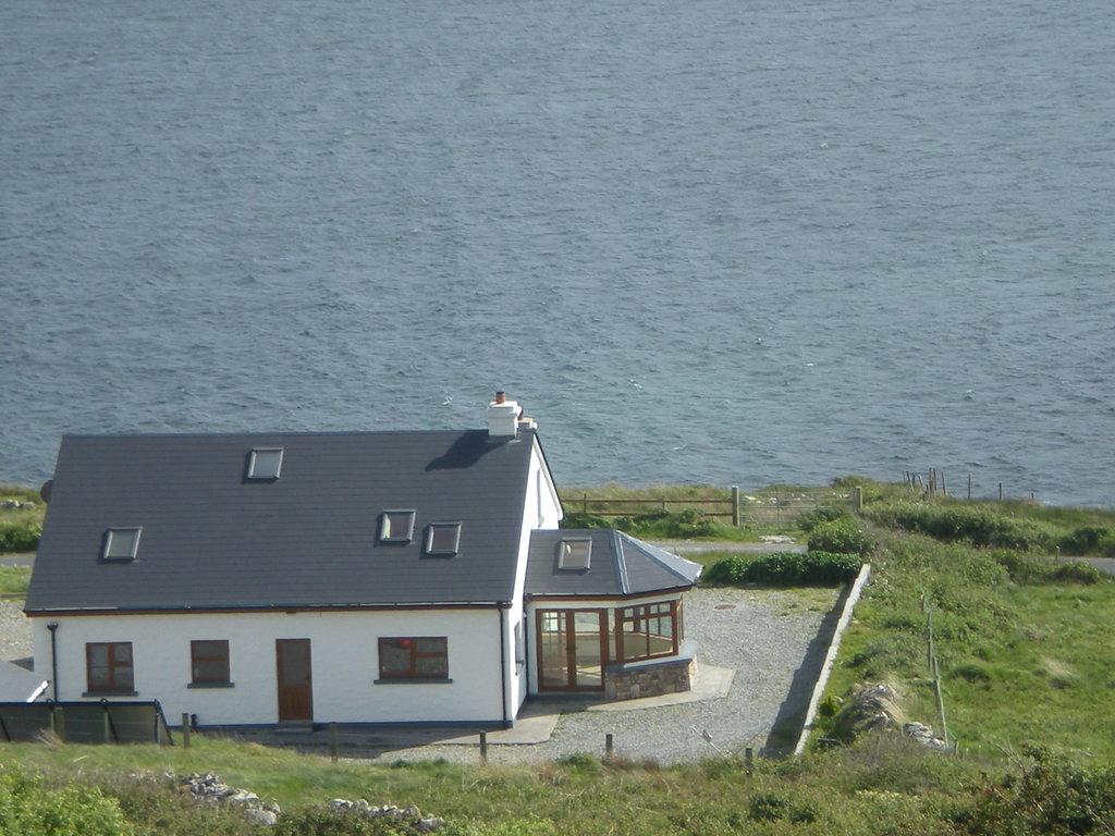 clifden bay lodge b b connemara ireland. Black Bedroom Furniture Sets. Home Design Ideas