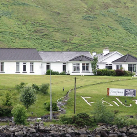 Portfinn Lodge & Fjord Restaurant